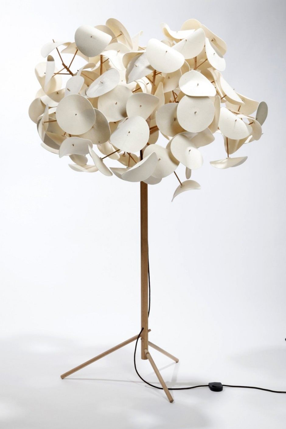 LEAF LAMP by PETER SCHUMACHER Design Revolution Australia